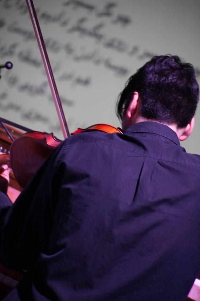 Hossein_Hadisi_violinist